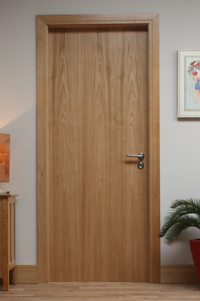 Door skirting modern oak door architrave pre finished for Door architrave